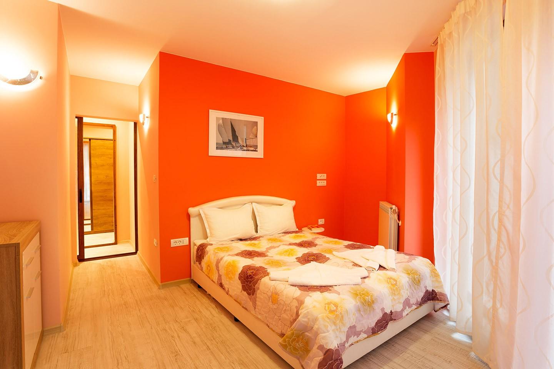 Апартамент с 2 самостоятелни спални и морска панорама